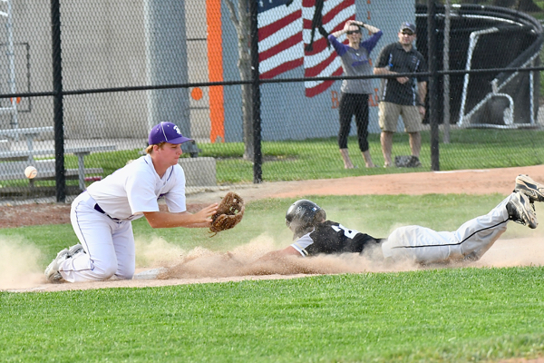 Errors plagued Fort Recovery during an eight-run fifth by Parkway.