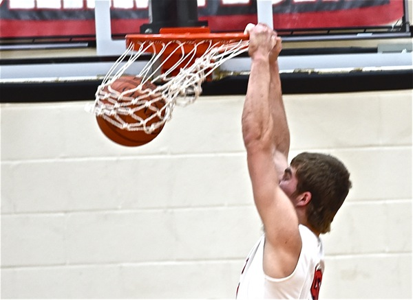 Tyler Siegel delighted the crowd with a dunk at the halftime horn.