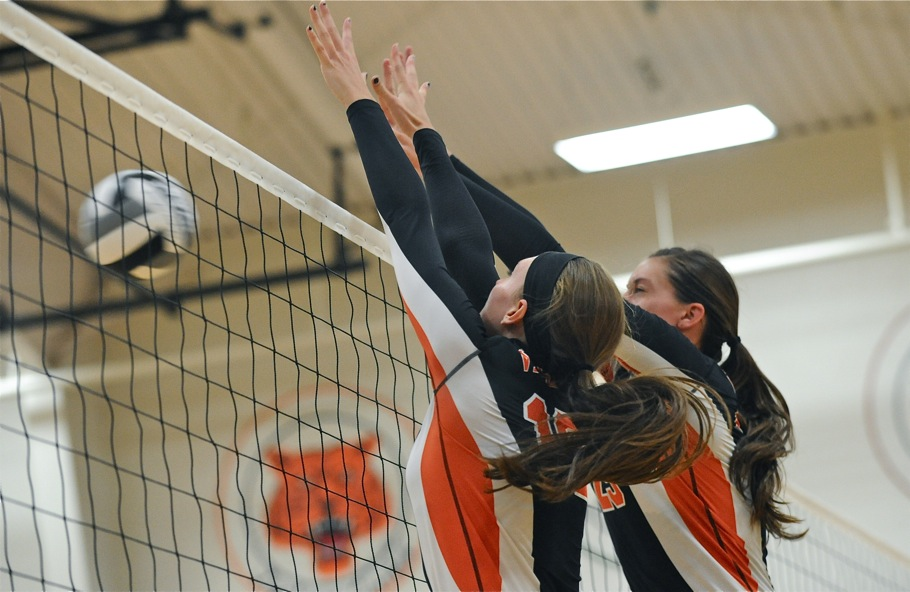Five Miles, And Then Some…Versailles Tops Russia in Volleyball
