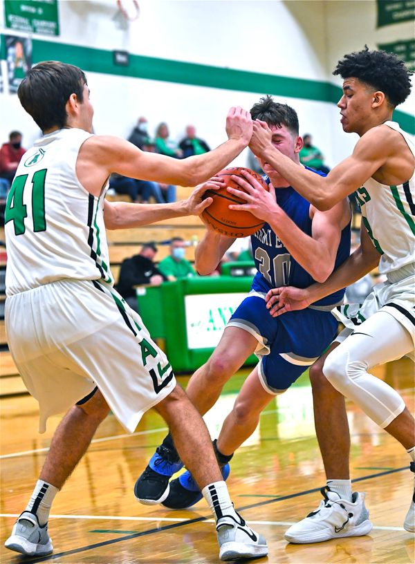 Anna Survives 3-Point Barrage To Beat Miami East