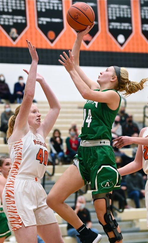 Versailles Misses Start Time…Falls To Anna, 46-33