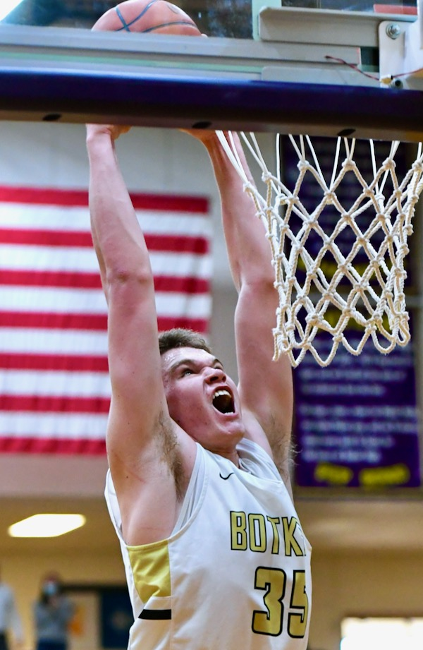 Botkins Puts SCL-Style Clamp On Perry In District Final