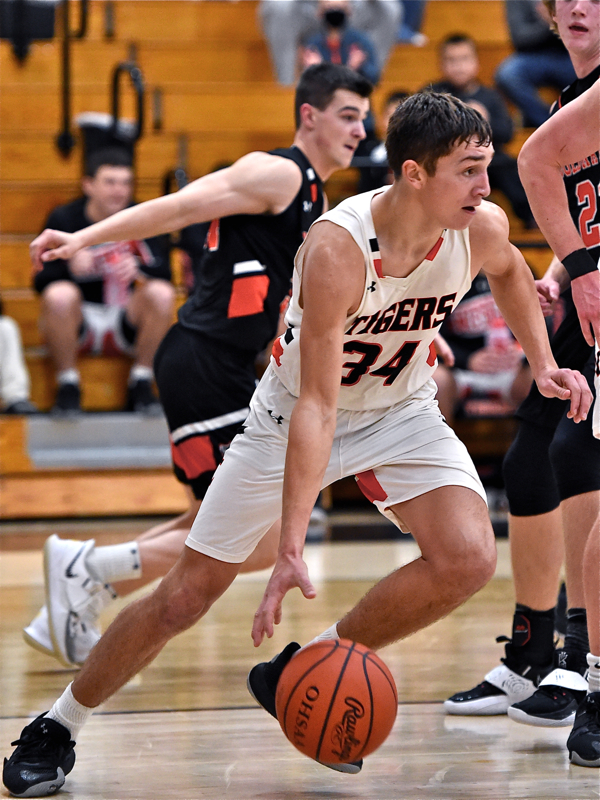 JC's Reichert, New Faces Help Tigers Top Coldwater