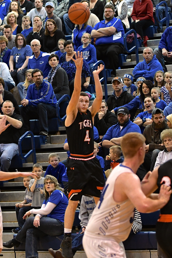 D-IV Heart-Stopper  Jackson Center Gets Past Fairlawn — Press Pros ... f505ed2a9