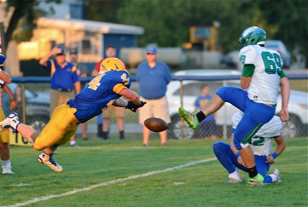 Darrin Hays' block of CJ's field goal attempt in the first quarter swung the game's momentum to Marion for good.