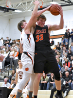 Versailles Silences The Crowd, Minster Offense, In MAC Win…