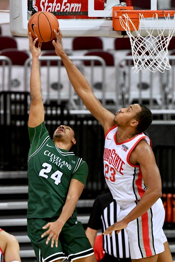 Bucks' Offense Out Of Synch, But Beats Cleveland St.