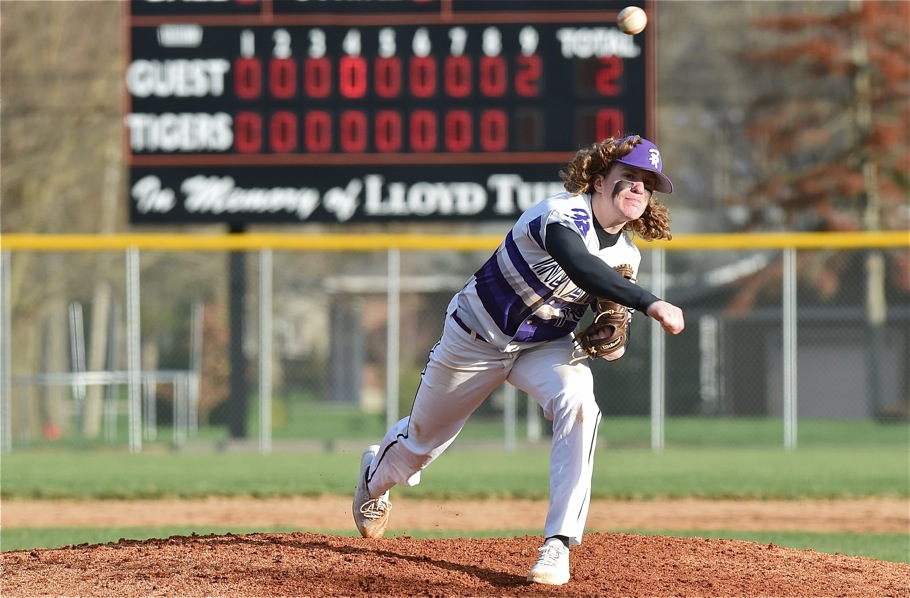 Thwaits, Fort Recovery Adds Chill To Versailles Bats…