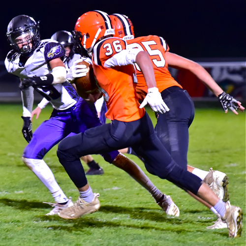 Versailles Moves On With Pile Driving Throwback Win Press Pros Magazine