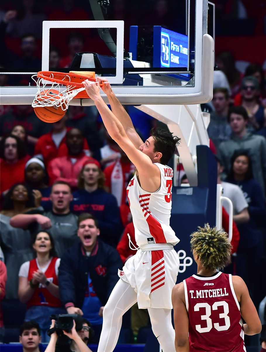 McCoy: Flyers' Defense, Mikesell, Buries UMass, 88-60