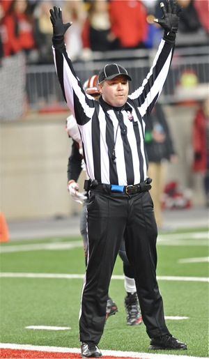 The only person that should be wearing black pants on a football is the referee.