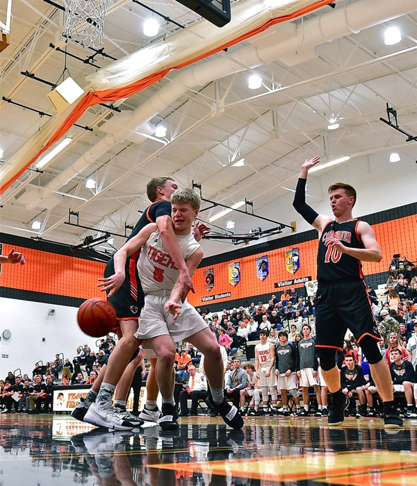 Cold Night Kills Coldwater In Loss To Versailles