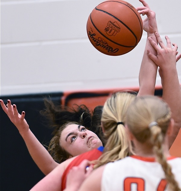 Tournament Tune-Up: Versailles Defense Smothers Tri-Village