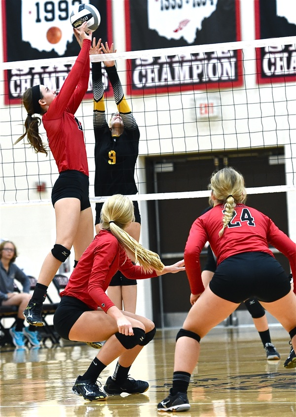 Who's Playin'?…Loramie Shuts Out Botkins In Volleyball